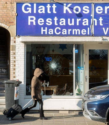 Verdachte van inslaan ruiten Joods restaurant HaCarmel op vrije voeten
