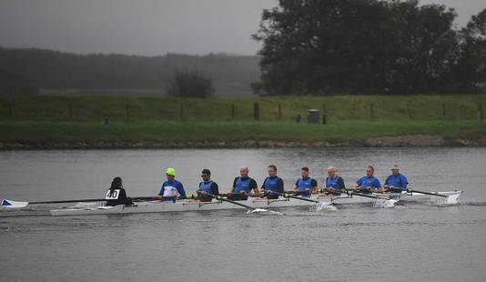 Roeiers van Honte uit Middelburg gaan van start in de Abeelenrace.