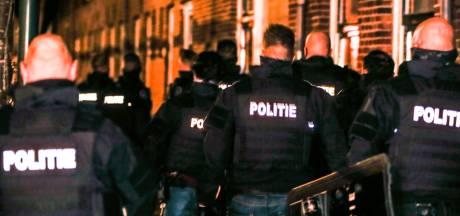Buurt doodsbang voor man die explosief uit woning gooide: 'Straks draait hij de gaskraan open'