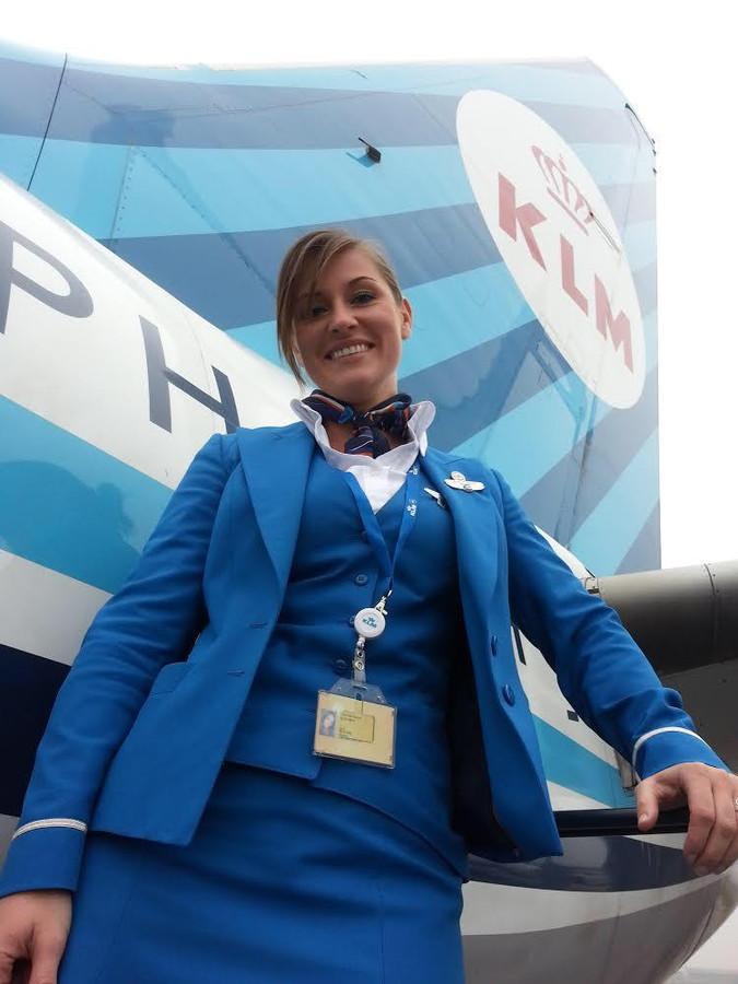 """Evelyn van den Heuvel leefde als stewardess haar droom: ,,Ik ging op safari in Zambia, heb geluncht onderaan de Niagara Falls"""""""