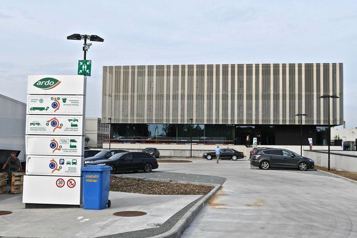 Ardo in Ardooie heeft een gloednieuw hoofdkantoor dat ingehuldigd werd door premier Alexander De Croo.