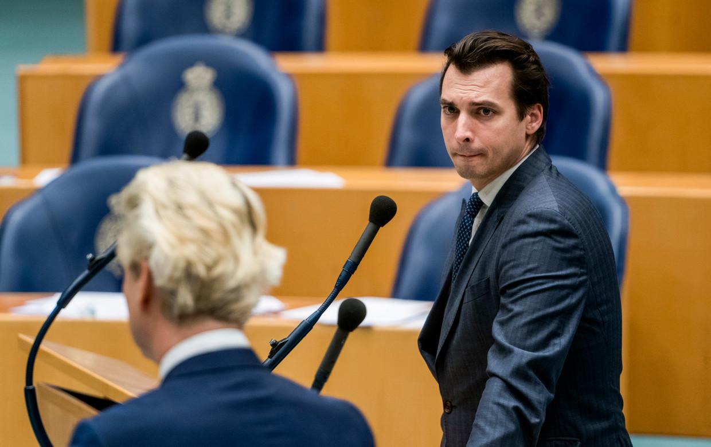 Thierry Baudet (FVD) en Geert Wilders (PVV) tijdens het debat over de ontwikkelingen rondom het coronavirus in de Tweede Kamer. Beeld Freek van den Bergh / de Volkskrant