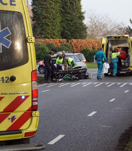 Fietser gewond aan hoofd bij aanrijding met auto