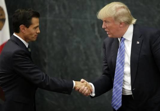 Een eerdere ontmoeting in augustus vorig jaar tussen president Enrique Peña Nieto en Donald Trump.
