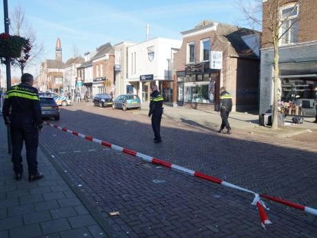 Meerdere waarschuwingsschoten gelost in winkelstraat in Waalwijk, agenten gewond bij arrestatie verwarde man (30)