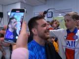 Chris (11) schoor eerst eigen haar en nu dat van meester Mauro af voor goede doel