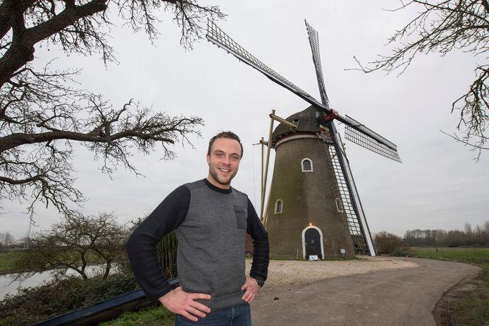 Molenaar en vrijwilliger Cees de Jong.