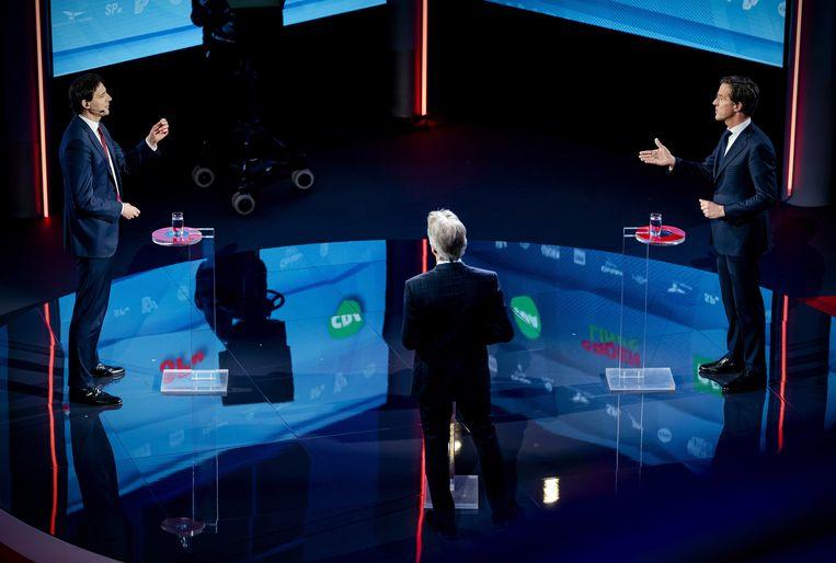 Wopke Hoekstra (CDA) en Mark Rutte (VVD) en tijdens een verkiezingsdebat van de NOS.  Beeld ANP