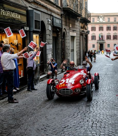 Rome komt in zicht en veel kostbare klassiekers vallen uit: dag 2 van de Mille Miglia