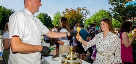 IJs voor geslaagden in Bemmel: 'Alle reden om het diploma dubbel te vieren'