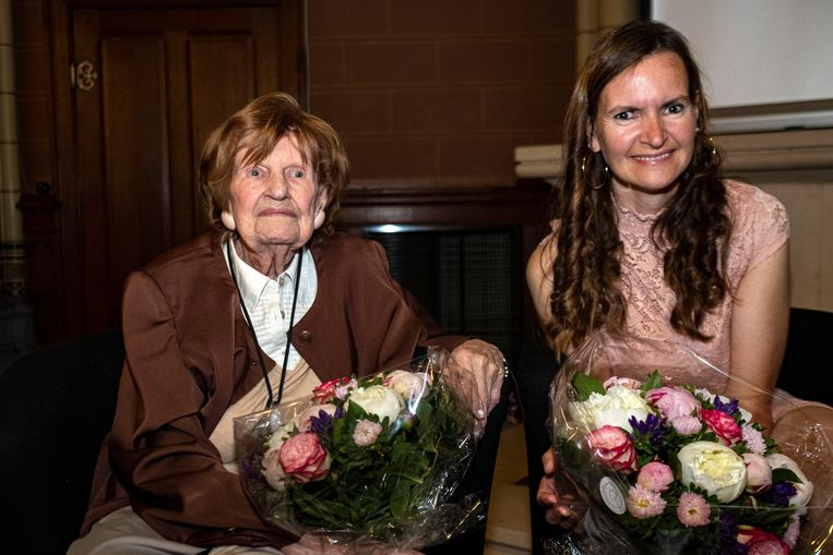 Paula Marckx met haar dochter Alexandra vorig jaar tijdens de veertigste verjaardag van het arrest-Marckx. Beeld Klaas De Scheirder