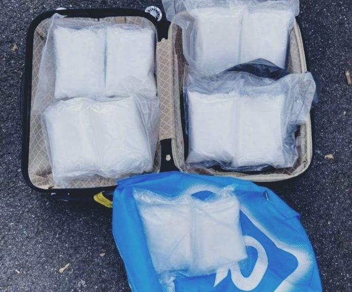De zakken met amfetamine die werden gevonden in Opel Corsa.