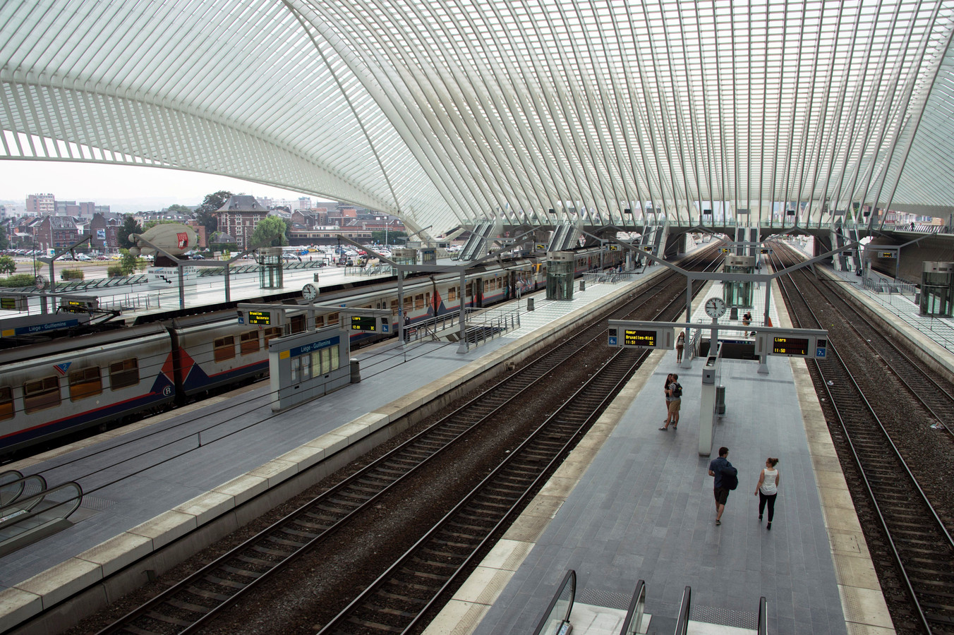 - Liège - Luik * Gare des Guillemins / station 14/8/2015 pict. by Christophe Licoppe © Photo News sncb nmbs