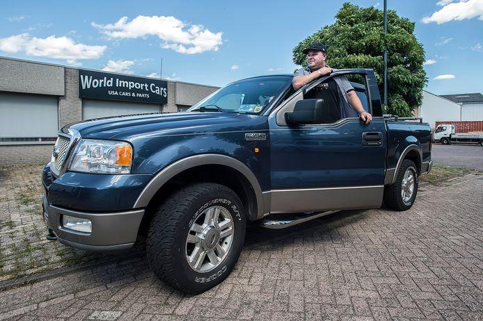 Dennis Romunde importeert Amerikaanse auto's, met name pick-up trucks, voor de Europese markt.