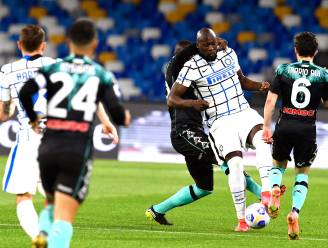 Lukaku stuit op paal en lat, maar Inter blijft ondanks gelijkspelletje tegen Napoli op titelkoers