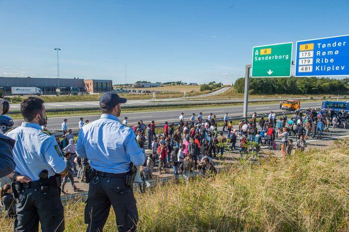 Duizenden migranten, voornamelijk uit Syrië en Irak, kwamen in 2015 aan in Denemarken. Een aantal van hen kwam met de trein vanuit Duitsland. (Archiefbeeld)