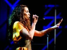 Glennis scoort in Amerika met fikse vocale uithalen