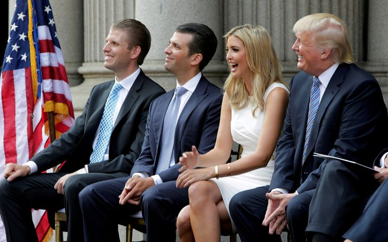 Van links naar rechts: Eric Trump, Donald Trump jr., Ivanka Trump and Donald Trump. Beeld Reuters