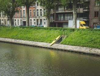 """Zomaar een kano of kajak ergens achterlaten, dat mag niet: """"Het is eigenlijk zwerfvuil"""""""