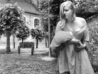 Groetjes uit Hansbeke: stadsdichter zet dorp in de kijker met postkaart en podcast