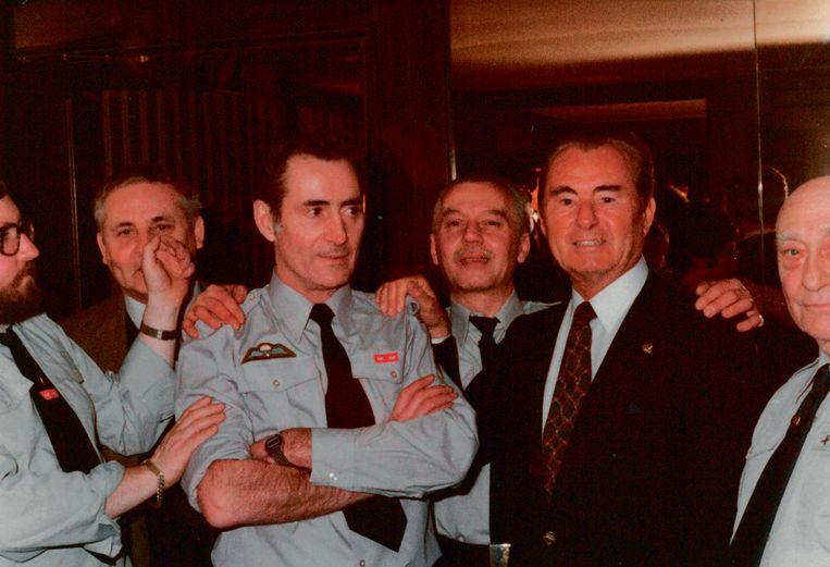 In 1982 bezochten leden van de Vlaamse Militanten Orde Léon Degrelle in Barcelona. Beeld rv