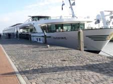 Een nieuwe steiger voor riviercruiseschepen? 'Willemstad is niet het Venetië aan het Hollandsch Diep!'
