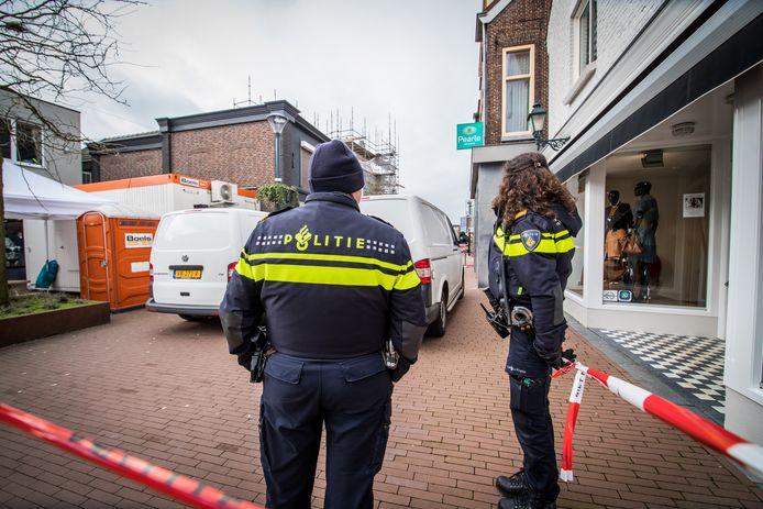 Het politieonderzoek in de woning.