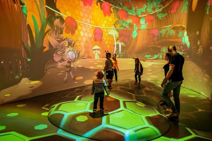 In Story Studio op de Antwerpse Meir word je letterlijk ondergedompeld in de wereld van Maya de bij.