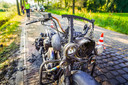 De Harley Davidson vloog tijdens het rijden in brand in Nuenen.
