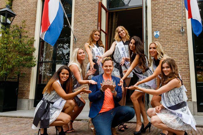Organisator Christian Vredenburg (hier in 2018) wordt beschuldigd van bedreigingen van (ex-)deelnemers Miss Giethoorn. Hij ontkent en stelt zelf slachtoffer te zijn van smaad en laster. De missen op de foto zijn niet de mensen die hun verhaal hebben gedaan.