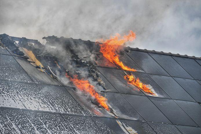 Grote woningbrand in Waalre.