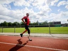 Na levensgevaarlijke val, rent Twentse Ed weer: 'Ik heb mijn sportleven terug dankzij de runner blade'