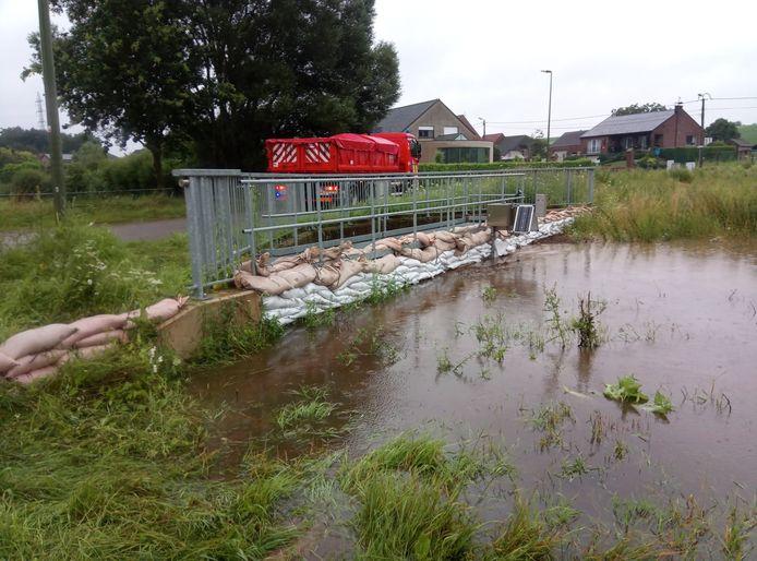 Stad Diest haalt volop opnieuw de zandzakken op om reserve te vrijwaren.