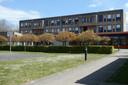 Het Compas. De school vertrekt naar Zaltbommel.