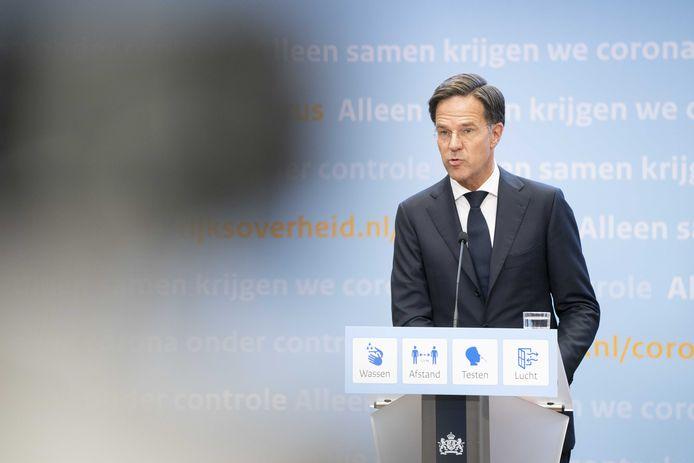 Demissionair premier Mark Rutte tijdens een persconferentie over versoepeling van de coronamaatregelen.