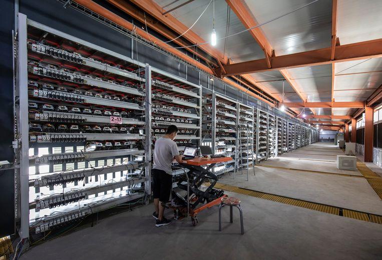 Installatie voor het delven van cryptomunten in China. Beeld Hollandse Hoogte / Panos Pictures