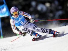 Skiester Rebensburg keert terug met zege
