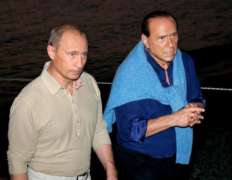 Berlusconi met zijn vriend Vladimir Poetin in 2005. Beeld EPA