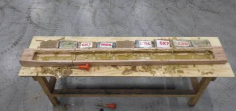 Douane vindt 695 kilo cocaïne tussen hardhout