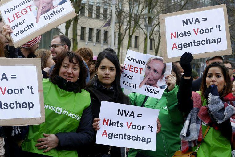 Eind januari protesteerde het personeel van het Agentschap al aan het kantoor van voogdijminister Homans.  Beeld BELGA