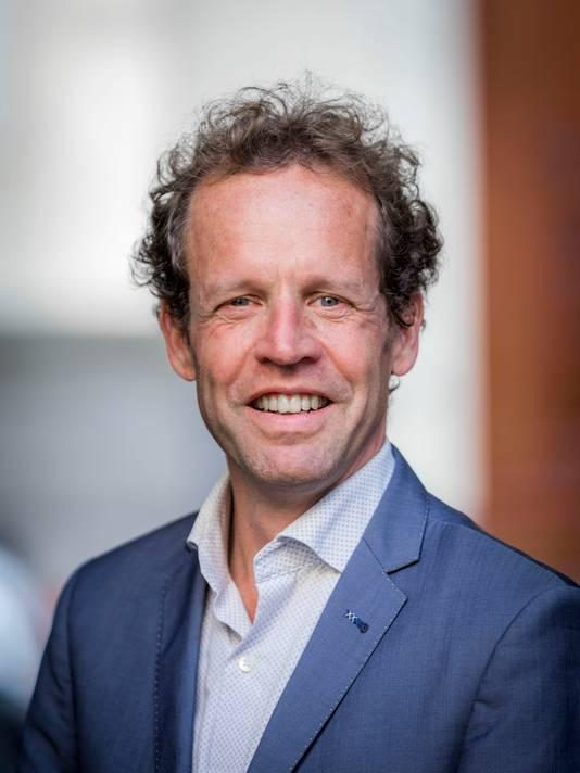 Olaf Simonse adviseert jongeren om over hun financiële situatie te praten.