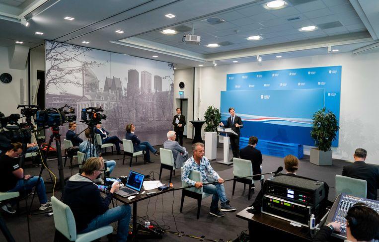 Premier Mark Rutte houdt zich aan alle belangrijke regels voor een goede crisisspeech.  Beeld ANP