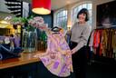 """Mar van Twist van Preloved Fashion selected by 3xM. ,,Dat klanten echt met iets origineels naar huis gaan maakt het zo leuk."""""""