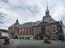 Lekkages en loskomende dakbedekking: stadhuis Vlaardingen dringend toe aan onderhoudsbeurt