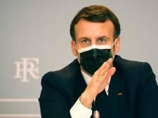 """L'Élysée se félicite de la prise de poids d'Emmanuel Macron, qui lui """"donne de la maturité"""""""