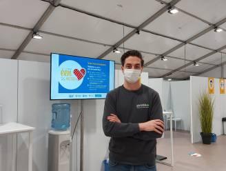 """Lommelse start-up verzorgt vlotte werkplanning in vaccinatiecentrum De Zwaan: """"Geweldig om dit voor de eigen regio te kunnen doen"""""""