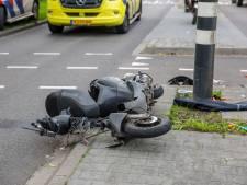 Ongeval tussen snorscooter en bedrijfswagen in Roosendaal