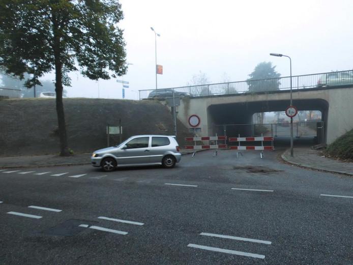 De afgesloten tunnel in Orthen