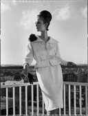 Voor een modeshow van Pierre Cardin op het dak van het Amsterdamse Hilton, in 1963.