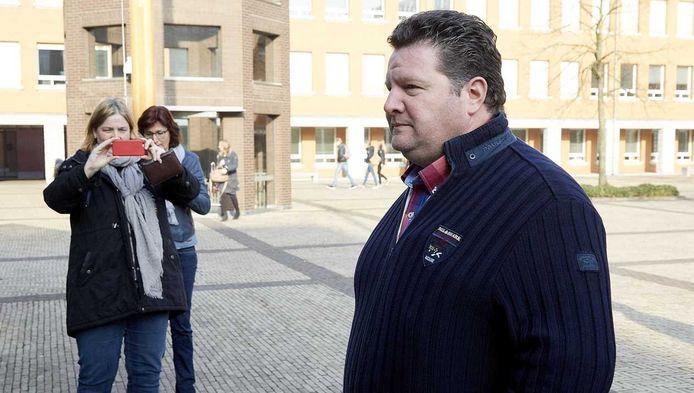 Vleeshandelaar Willy Selten arriveert vandaag bij het Paleis van Justitie